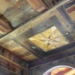 Rosa dei venti realizzata a Soffitto con legno antico