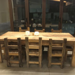 Tavolo in larice antico con sedie in rovere antico