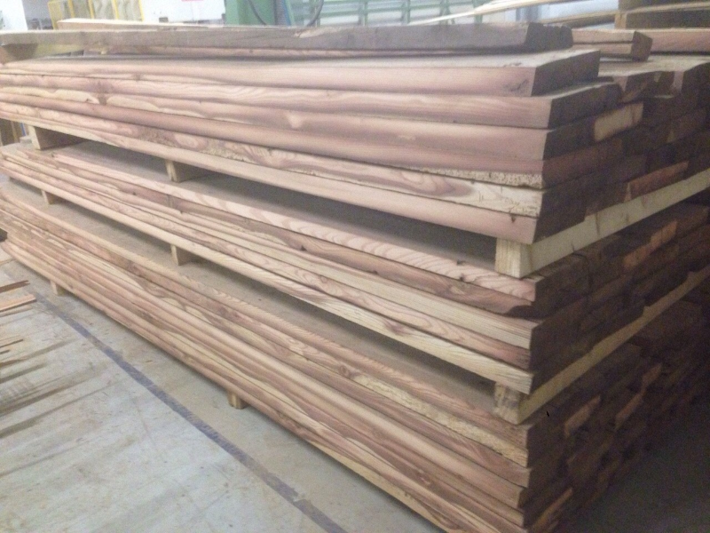 Legno di recupero vendita legni antichi recuperati legno - Tavole di larice piallate ...