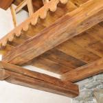 Soppalco in legno di abete antico