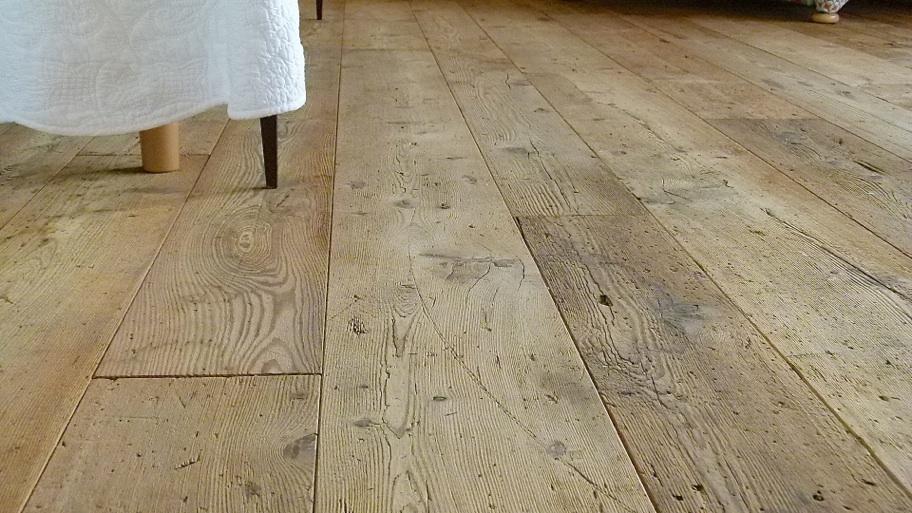 Pavimenti in Larice antico vecchio di recupero in prima patina