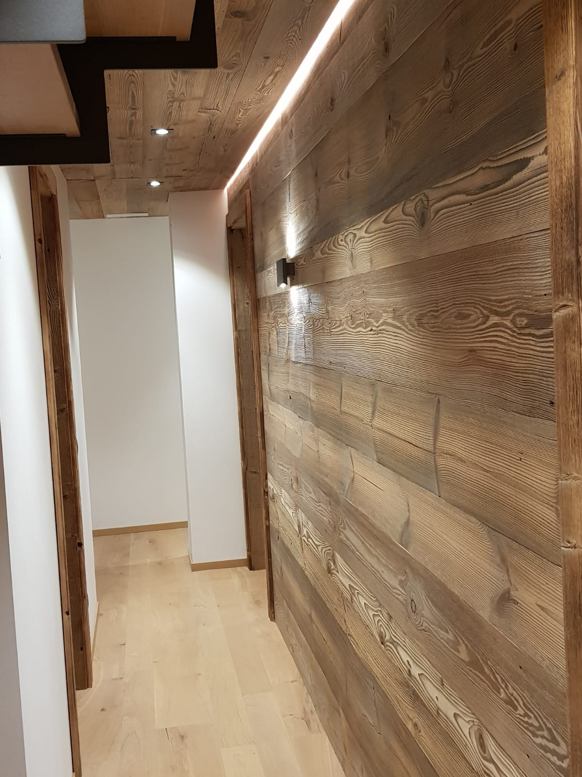Legno di recupero vendita legni antichi recuperati legno for Tavole colori per pareti